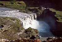 Dettifoss, the huge erosive power of a large Icelandic river