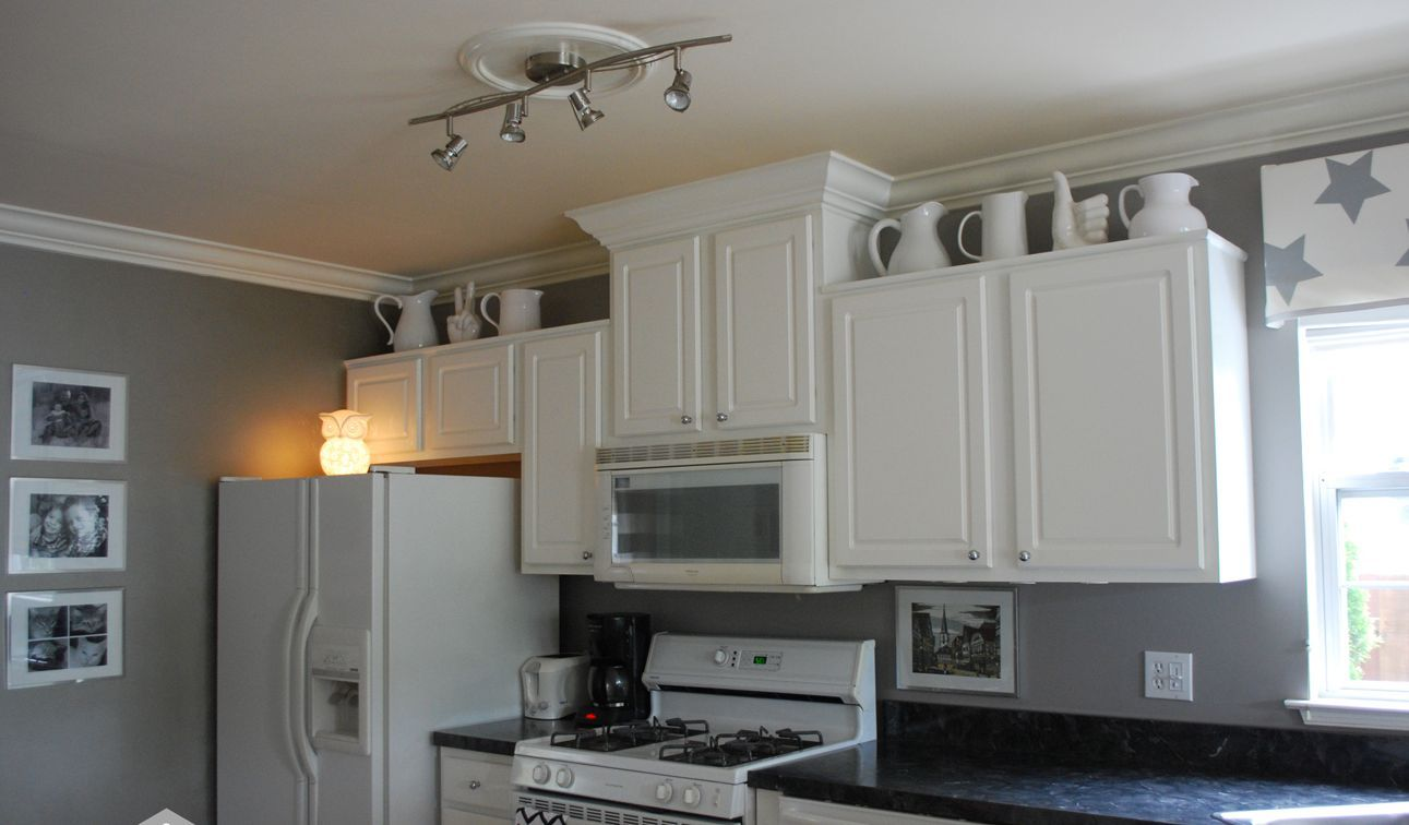 Best With White Kitchen Cabinet And Ceiling Paint Color You 400 x 300