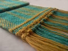 Resultado de imagen para bufandas tejidas a telar