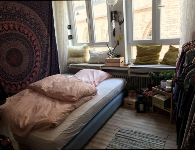 Helles Und Schones Wg Zimmer Mit Mandala Tuch Uber Dem Bett Ab November In Bonn Zu Vermieten Wg Wgzimmer Wggesuc Wg Zimmer Zimmer Gestalten Wohnung Suchen