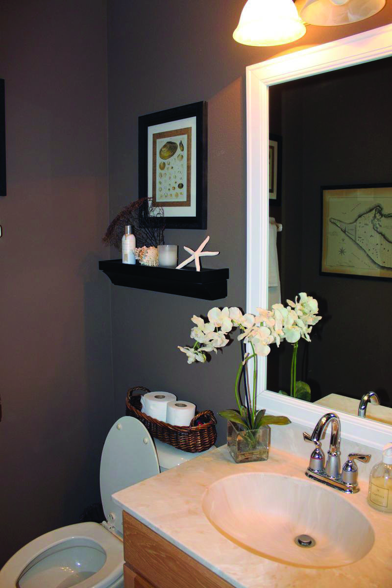 10 Paint Color Ideas for Small Bathrooms - Homes Tre  Bathroom