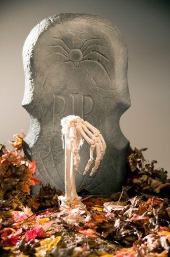 DIY Halloween Yard Zombie Decorations HoLiDaY Pinterest