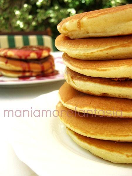 Ricetta Pancake Americani Giallo Zafferano.Pancake Per La Colazione Una Ricetta Facile E Veloce Ricette Ricetta Pancake Facile Ricette Dolci
