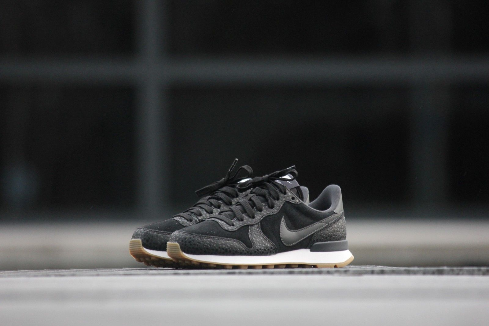 nike internationalist dames zwart zilver
