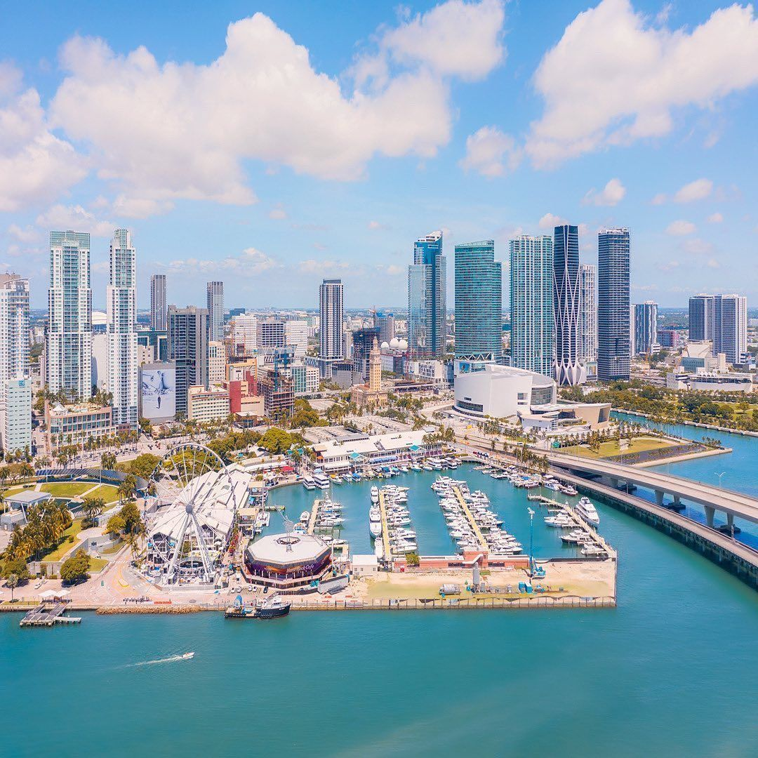 Welcome to Miami  Theres no other city in the world like this   @visuals.by.luis #miamiliving #miami