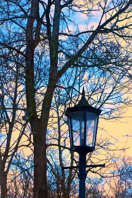 A lonely lantern by eswendel on DeviantArt