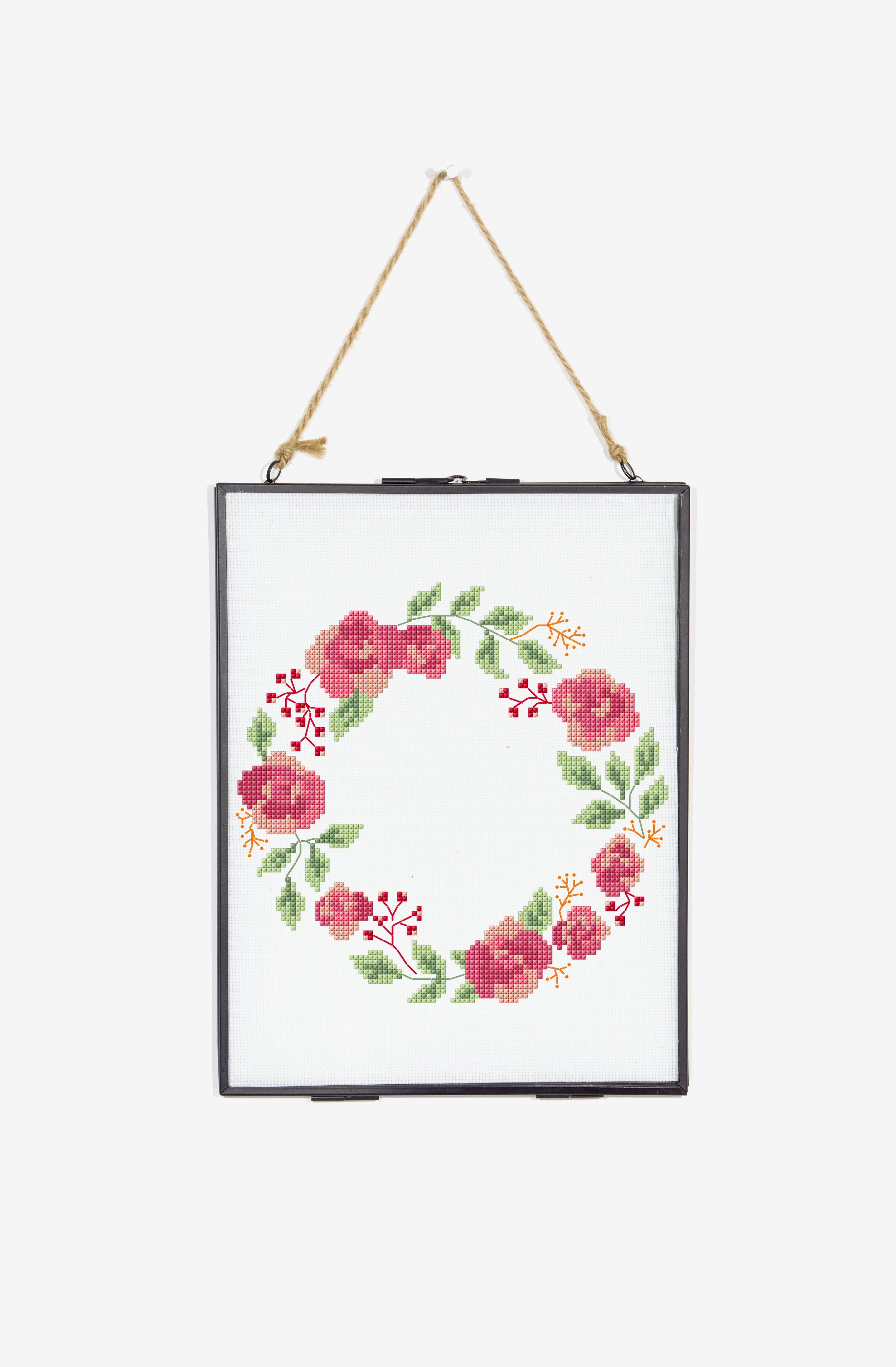 Rose wreath pattern cross stitch awesomeness pinterest