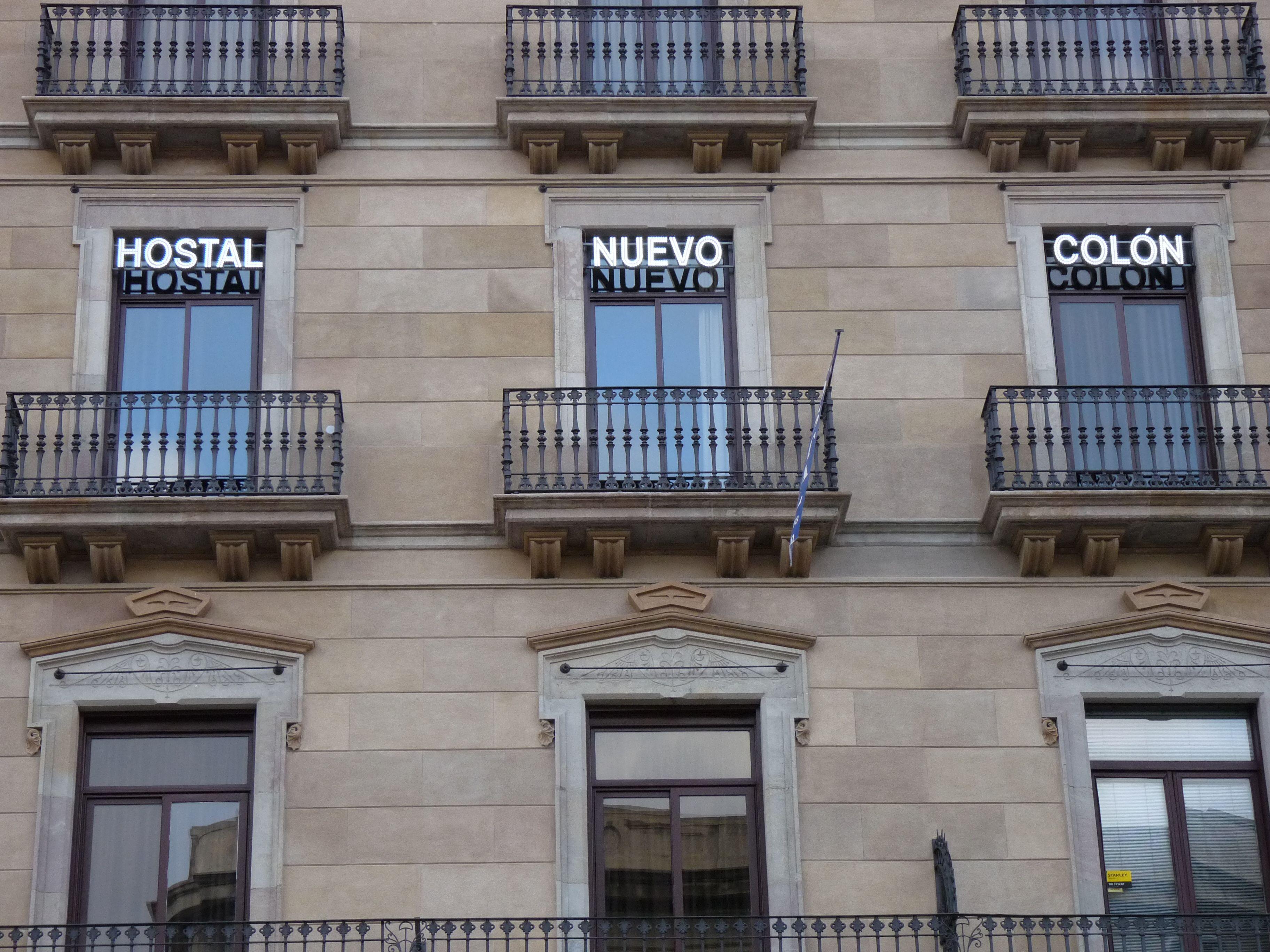 Rotulo luminoso de leds vistos en barcelona