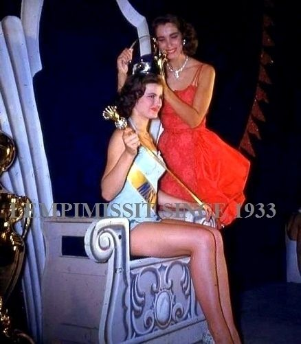 MISS UNIVERSE 1953, Winner France, Christiane Martel Magnani