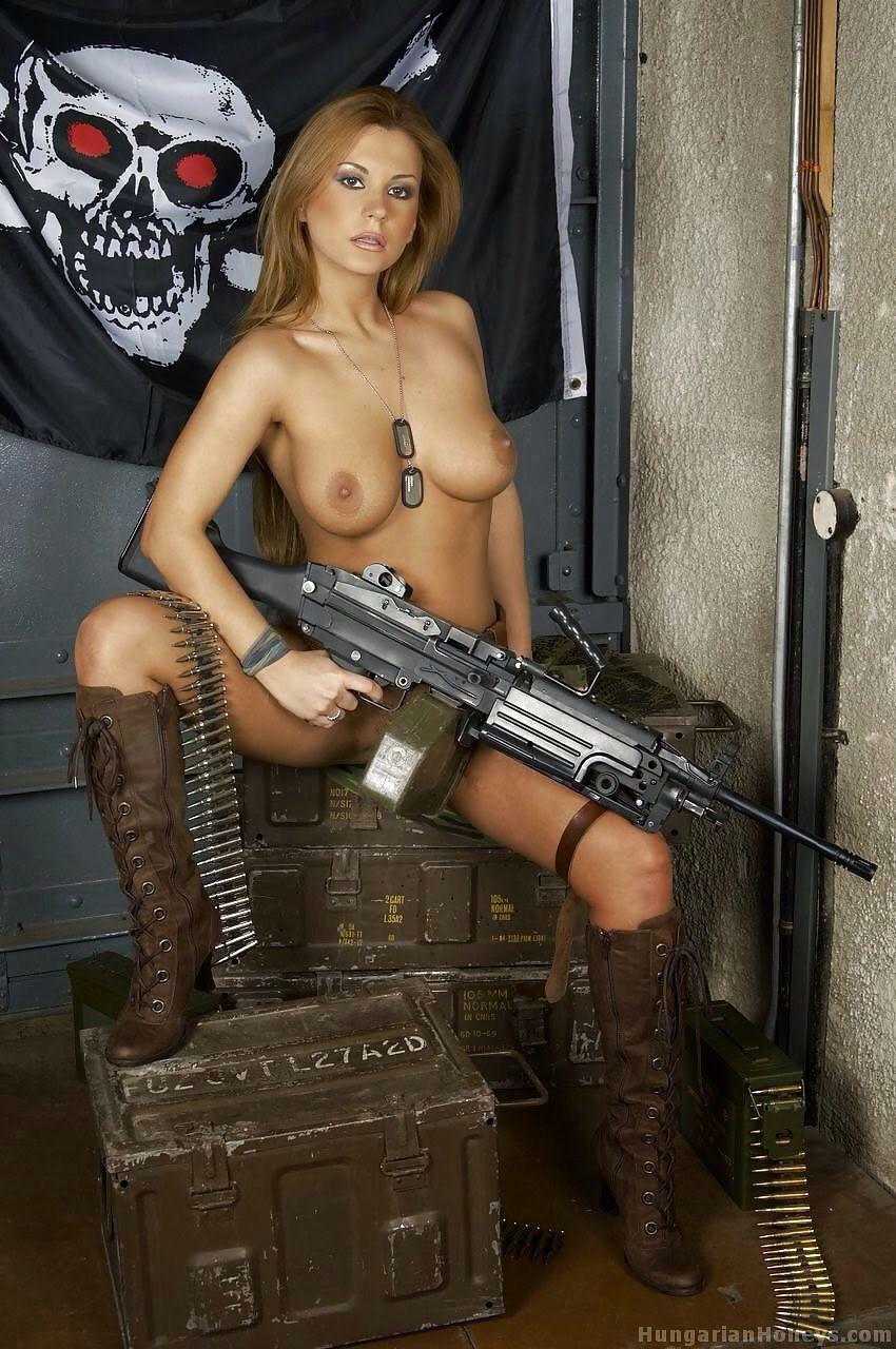 chicks with guns xxx