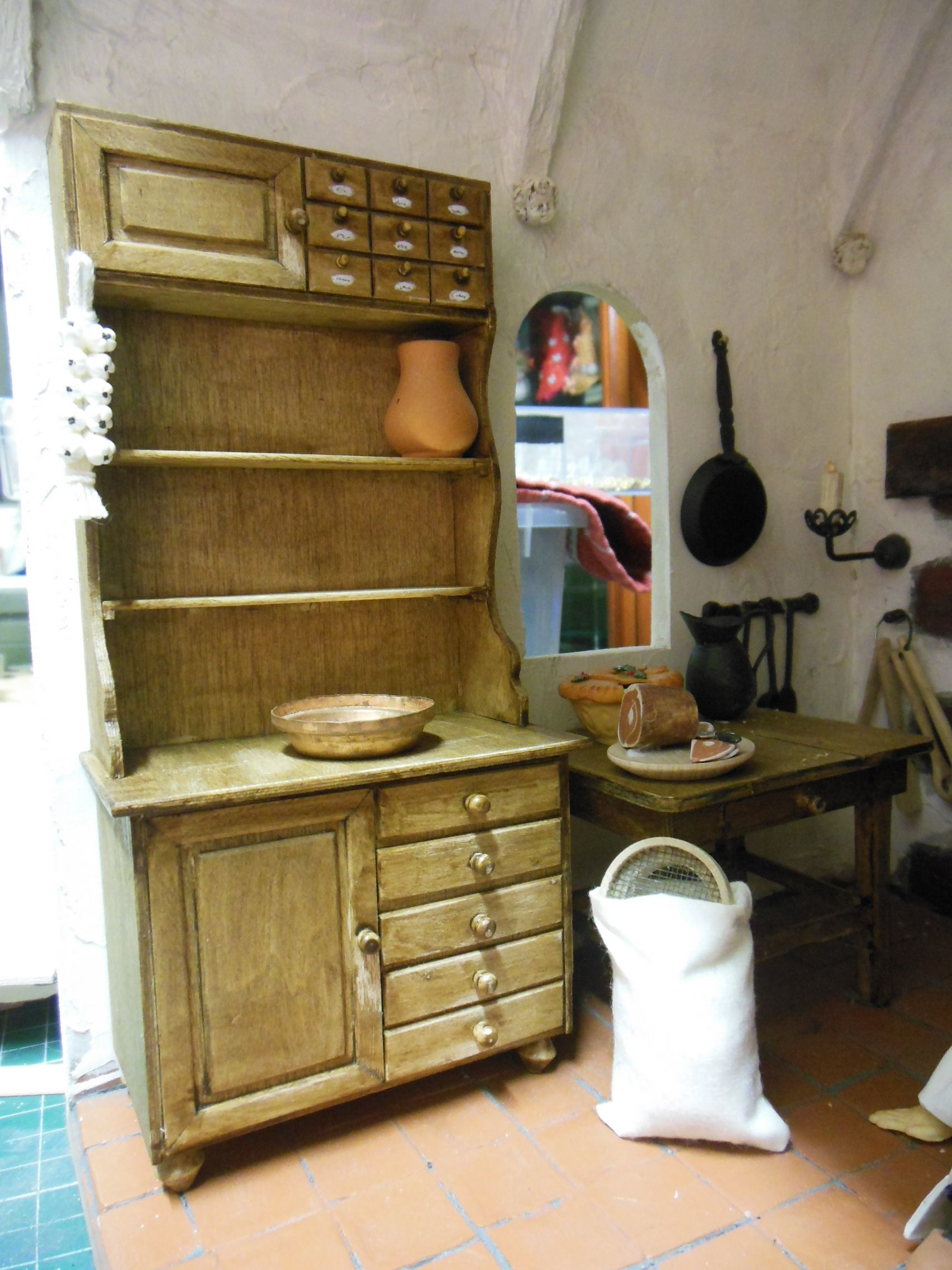 keuken voor Doornroosje de kast is nagemaakt