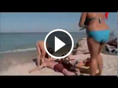 La Mejor Broma De Chicas En La Playa Youtube Videos Cool Gifs Youtube