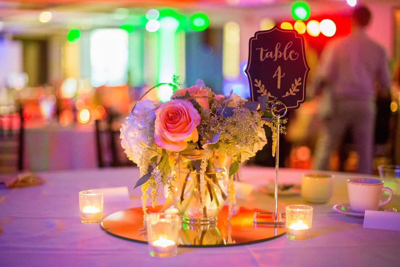Alta vista country club weddings photo by jen disney floral by