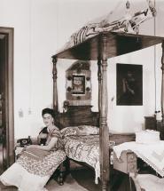 Frida en su dormitorio