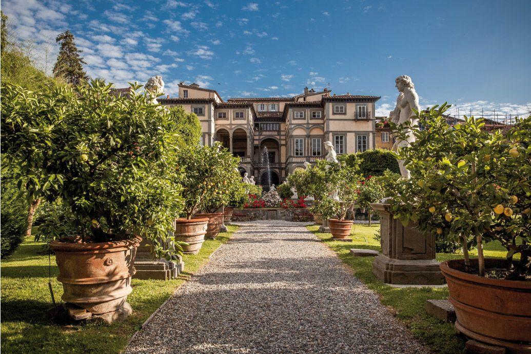 Il Palazzo Pfanner rappresenta uno dei posti più suggestivi di Lucca e dintorni. #Tuscany #Lucca #Italy