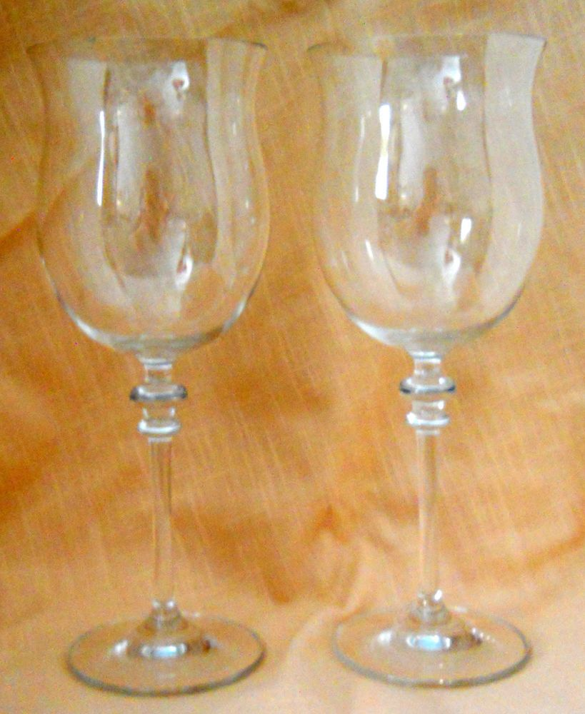 Towle wine stemware lead crystal austria 10 towle pretty pair of lovely towle lead crystal wine glasses these had a towle label when i originally bought them but ive had them for several years made in austria floridaeventfo Image collections