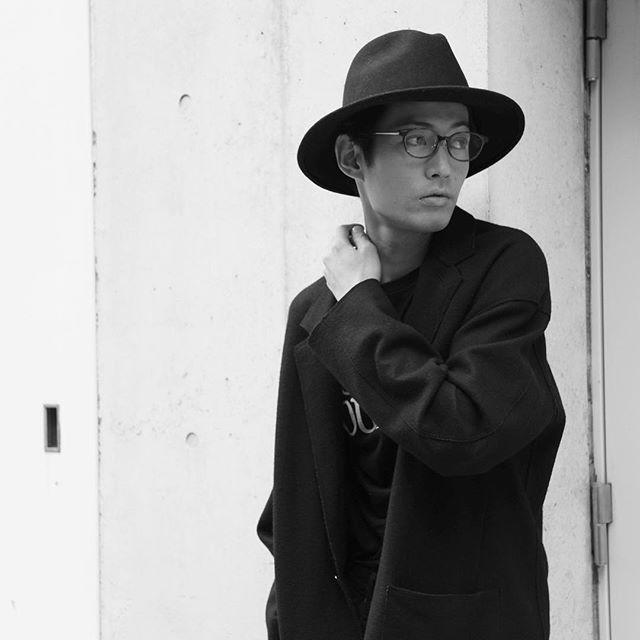2016/10/31 04:54:11 terayama_masataka おはようございます☀ . 10月も終わりですね〜 . 11月は名古屋帰りますよー . たーのーしーみー . Photo @utigawa_air2 . お問い合わせ、撮影のご依頼はDMお願いします‼️ . まずはお気軽にお問い合わせ下さい✨ . フォローもよろしくお願いします . . #model#モデル#俳優#メンズ#メンズモデル#ブライダルモデル#サロンモデル#サロモ#フリーモデル#撮影#撮影依頼#ファッション#アート#モード#ヘアー#コーデ#クール#カラー#ポートレート#被写体#美容#美容師#スタイリスト#雑誌#スナップ#フォロー#フォローミー#名古屋#秋#ハロウィン #美容