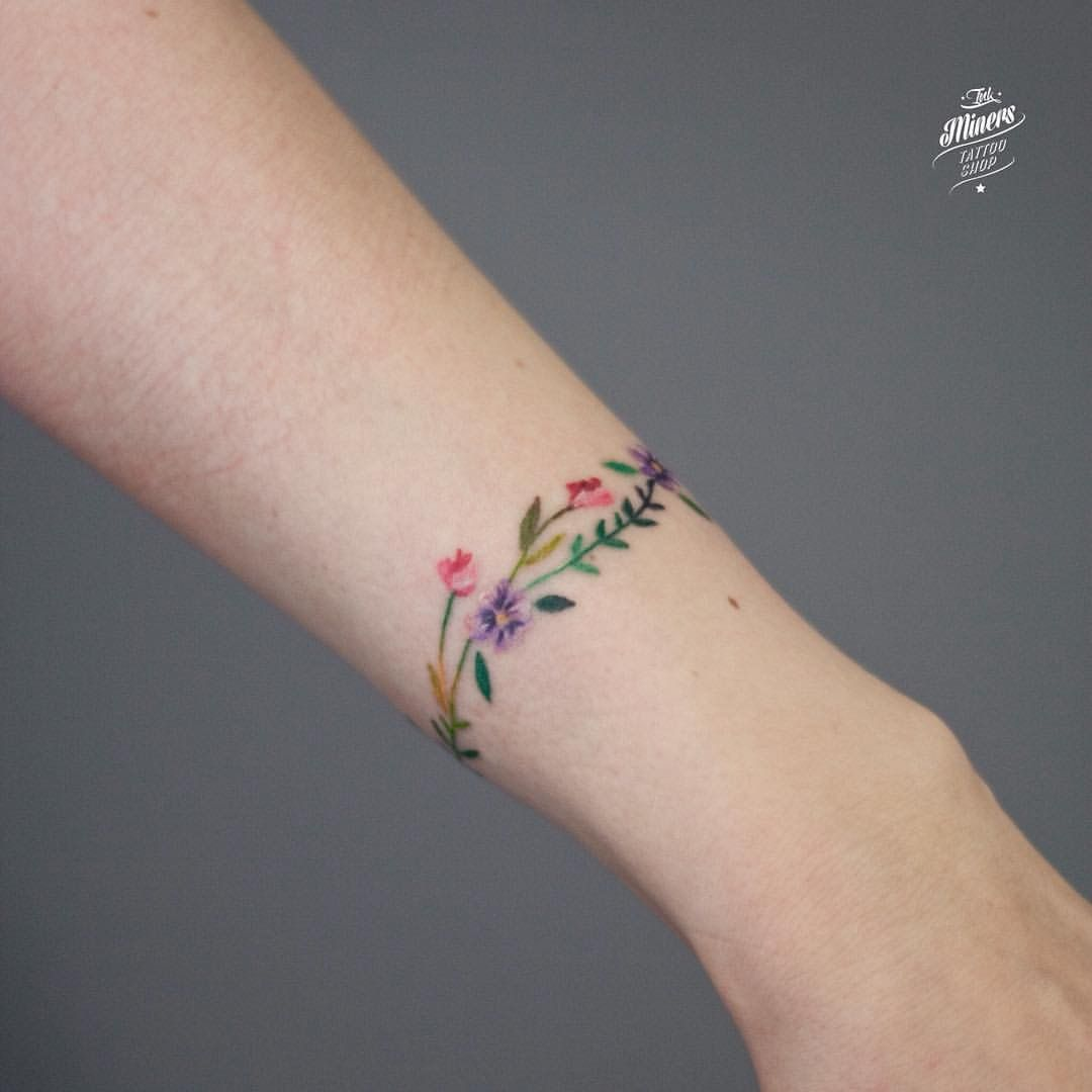 Floral Bracelet Wrist Tattoo Designs: Pin By Kimberley Hall Ambrose On Tattoo's And Skin Art