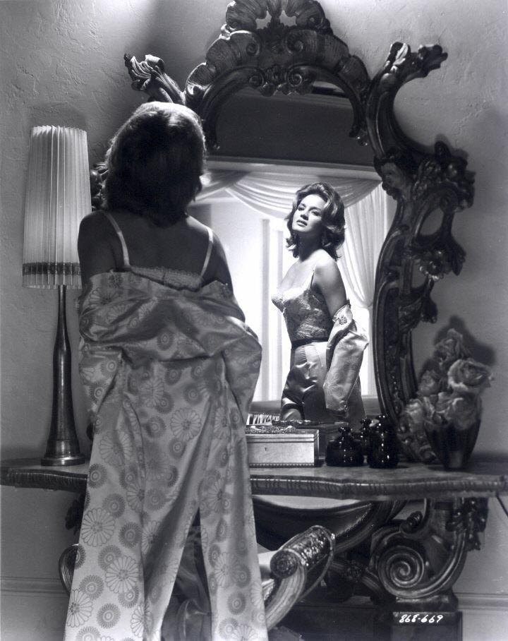 Vintage Vanities Old Hollywood Glamour Old Hollywood Glamour Vintage Hollywood Glamour Vanity Photography