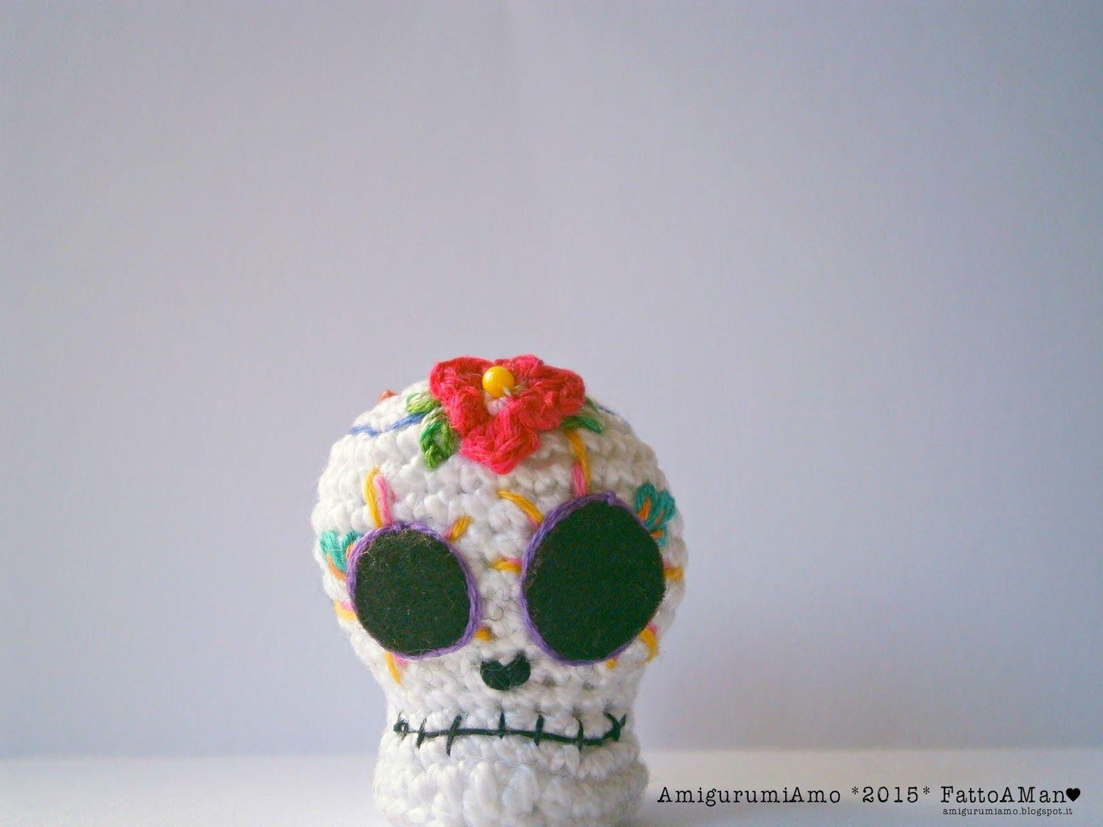 Schemi Amigurumi Free Italiano : Halloween skull pattern ita eng free pattern crochet pinterest