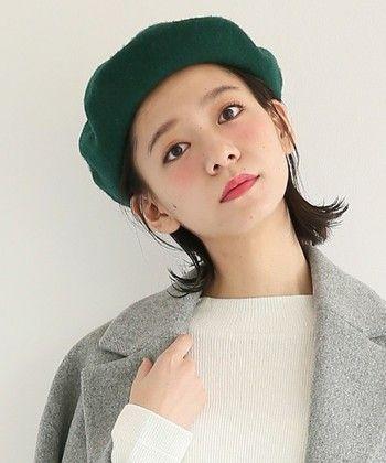 秋ファッションのアクセント ヘアスタイル別 ベレー帽のかぶり方