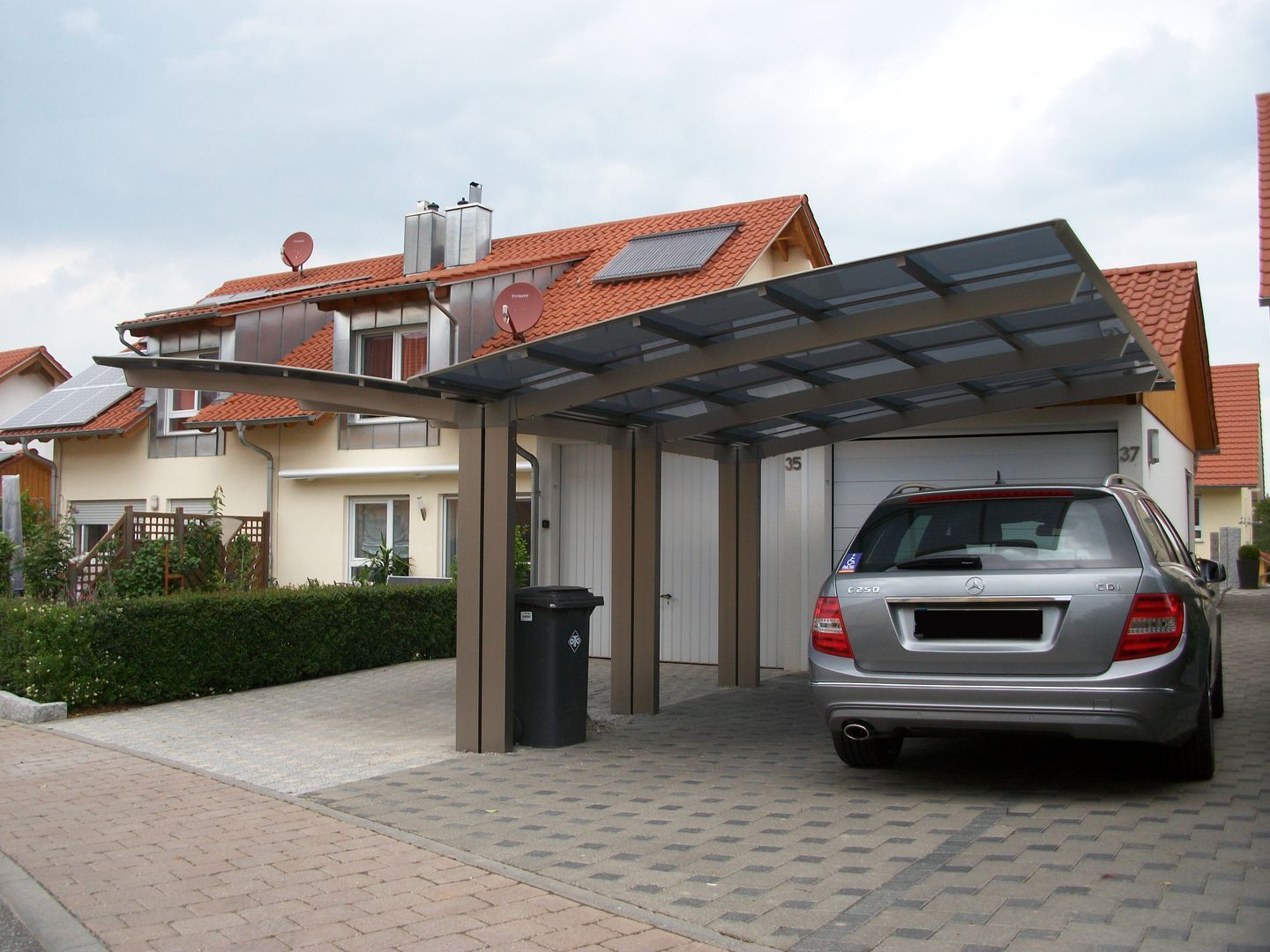 Premium Quality Modern Carports Awnings For Residential Commercial Applications Our Innovative Products Ar Modern Carport Carport Designs Cantilever Carport