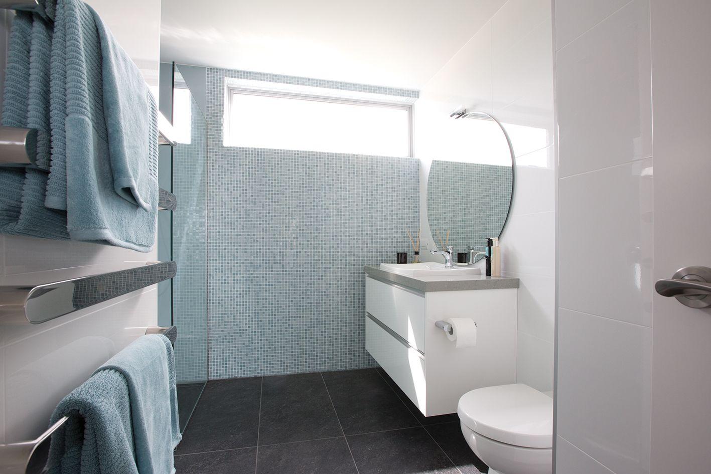 Bisazza luisa bathroom feature wall bathroom design for Bisazza bathroom ideas