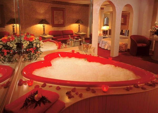 Hot Tub Romantic Bath Romantic Bubble Bath Honeymoon Suite