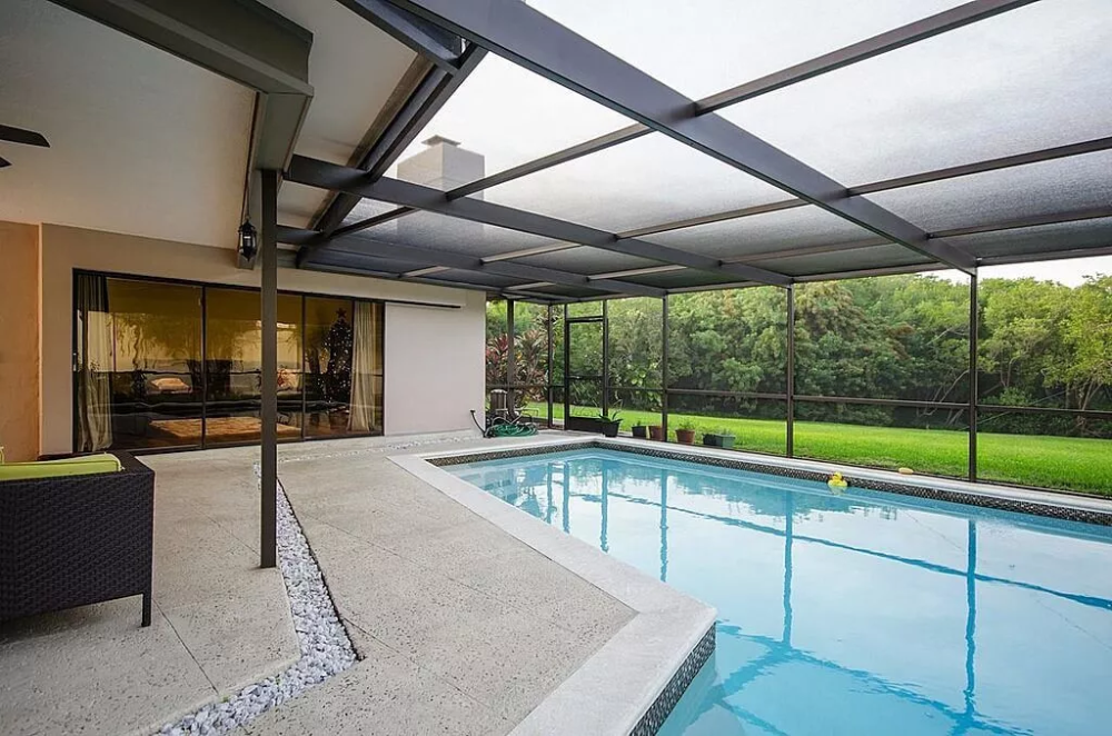 45 Screened In And Covered Pool Design Ideas Indoor Swimming Pool Design Indoor Pool Design Glass Pool