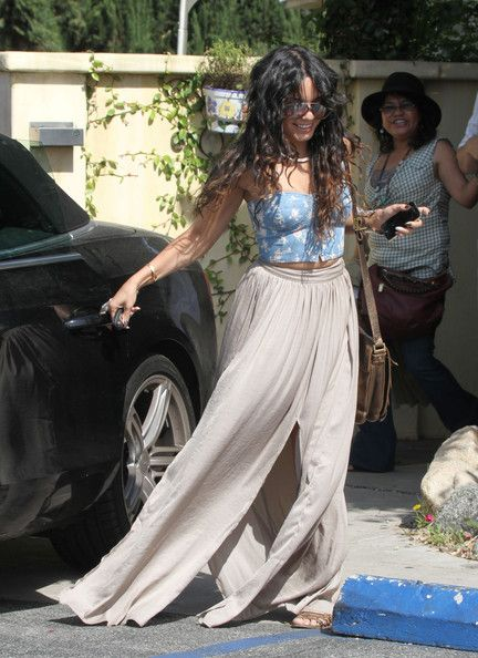 Vanessa Hudgens Photos Photos: Vanessa Hudgens Opts For An Italian Lunch