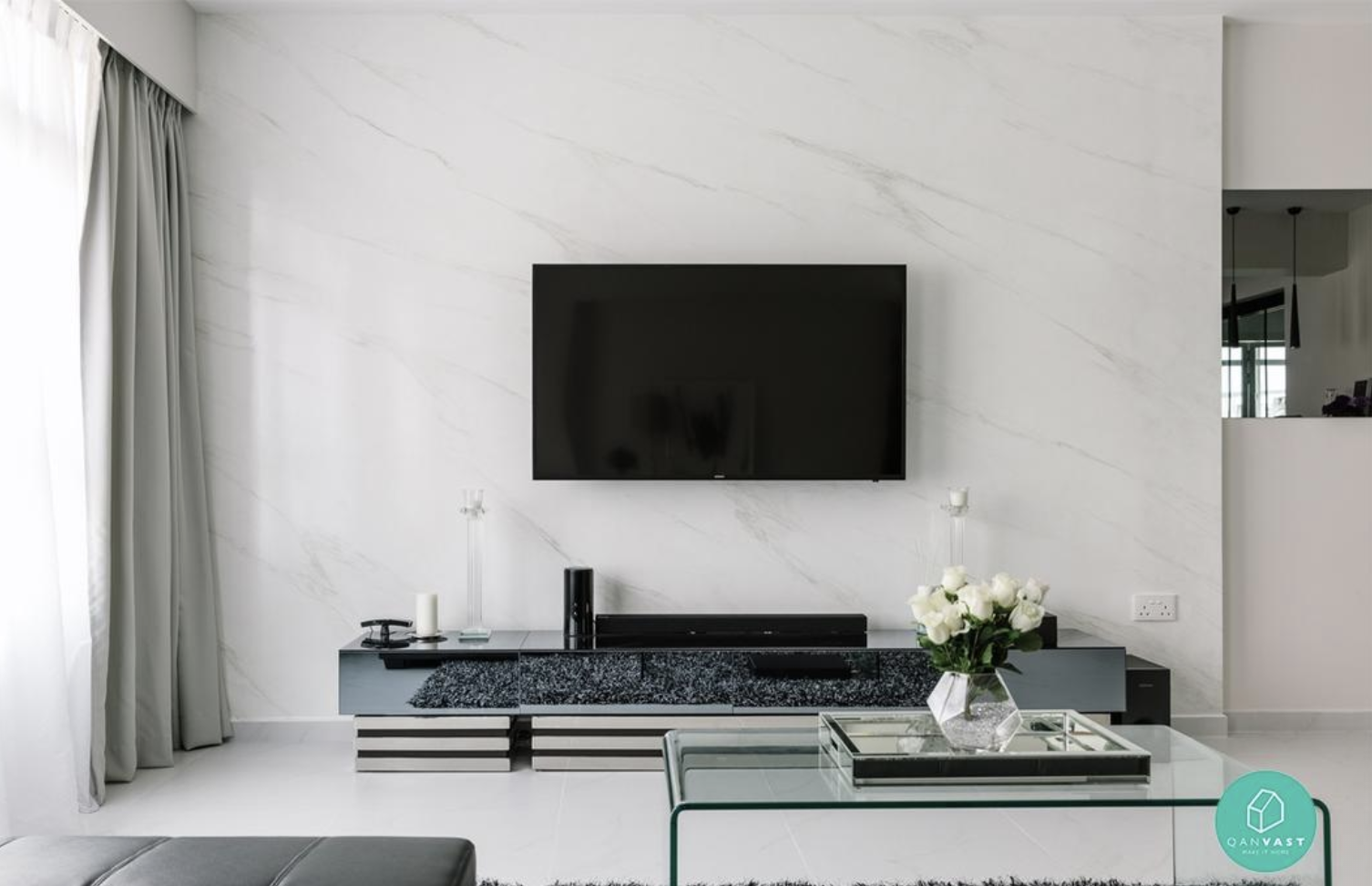 Marble tv feature wall mounted tv no console