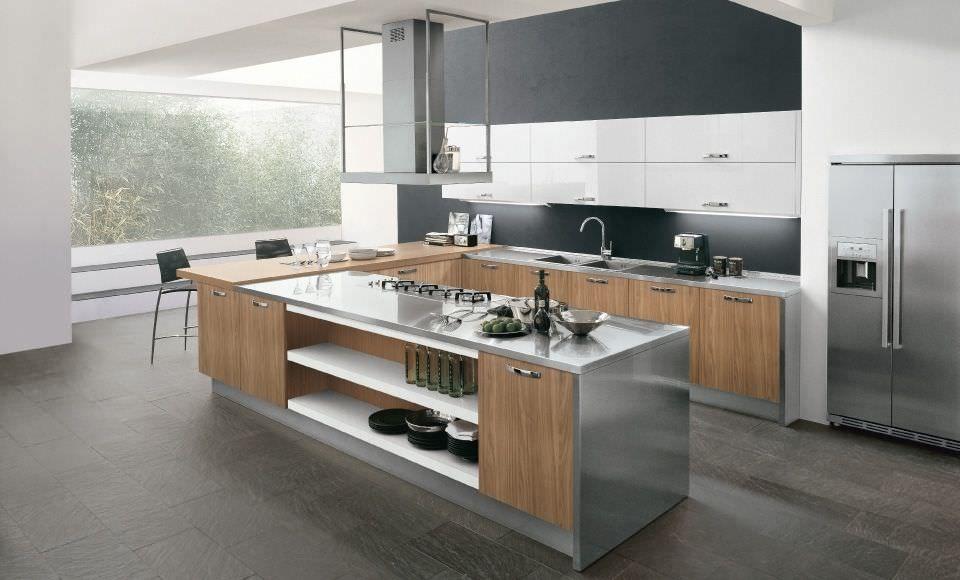 Cocina moderna  de acero inoxidable  de chapa de madera  con isla