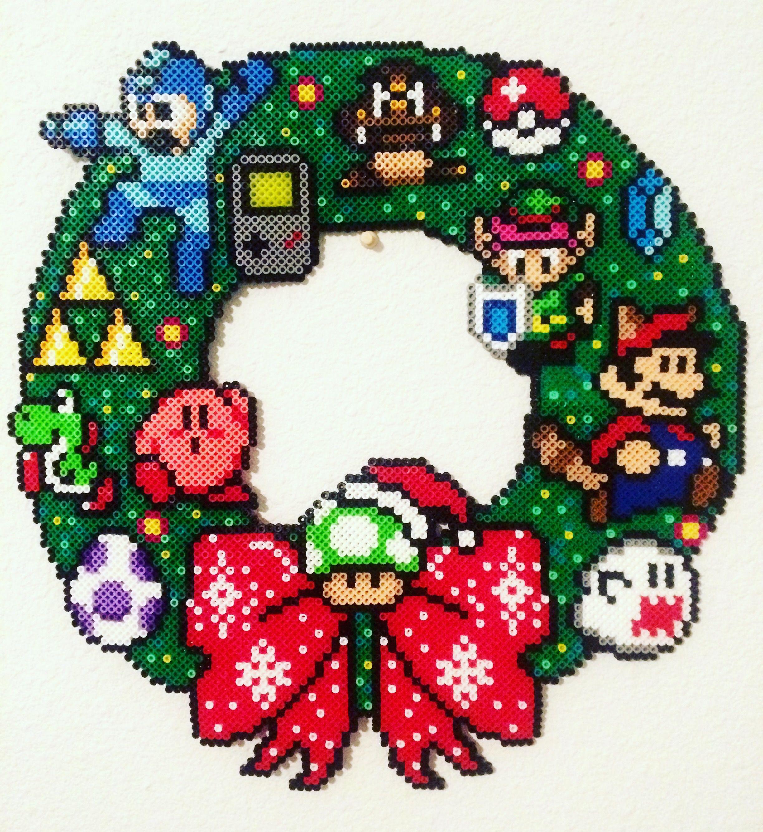 8-bit Nintendo Wreath | Perler-Games/Books | Pinterest | Nintendo ...