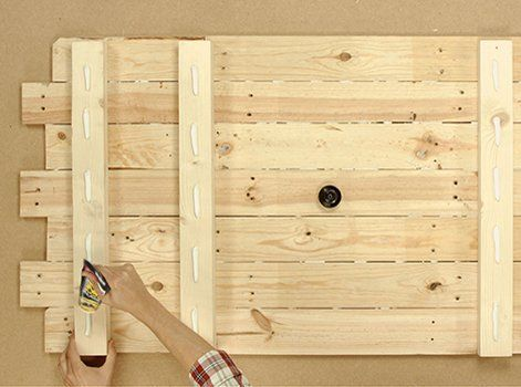 Diy Realiser Une Tete De Lit En Bois Wooden Headboard Headboard Scandinavian Bedding