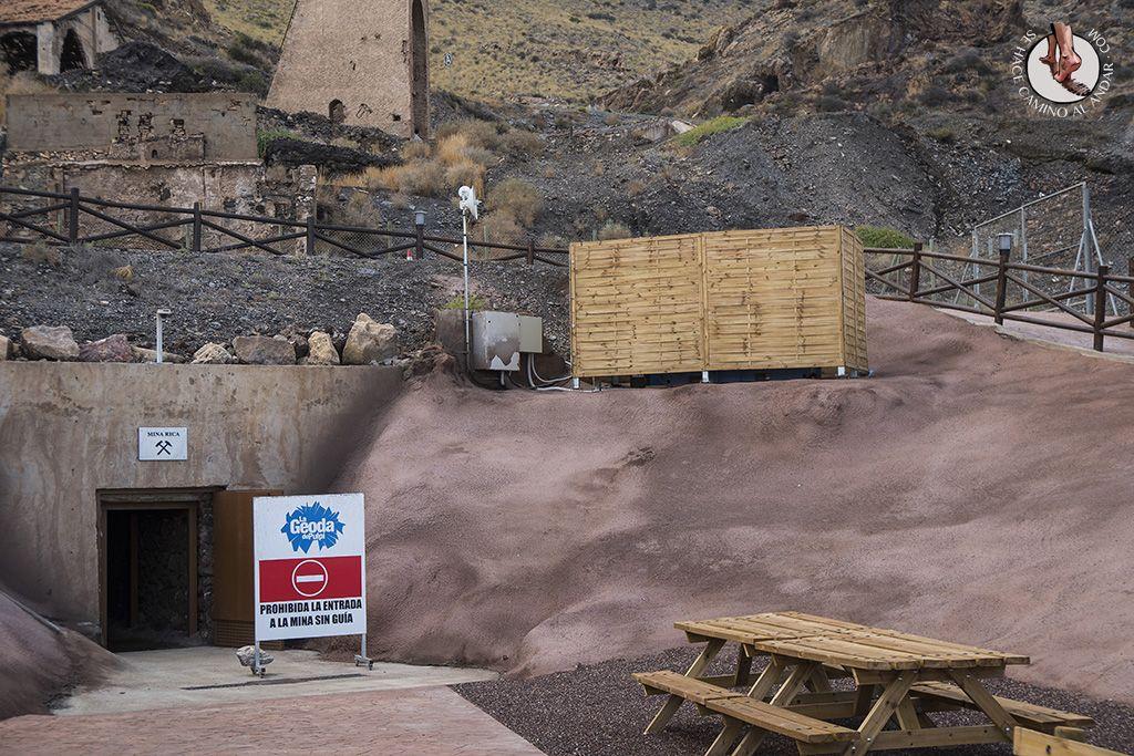 Geoda De Pulpi Acceso Mina Rica Desierto De Chihuahua Andalucía Cascadas