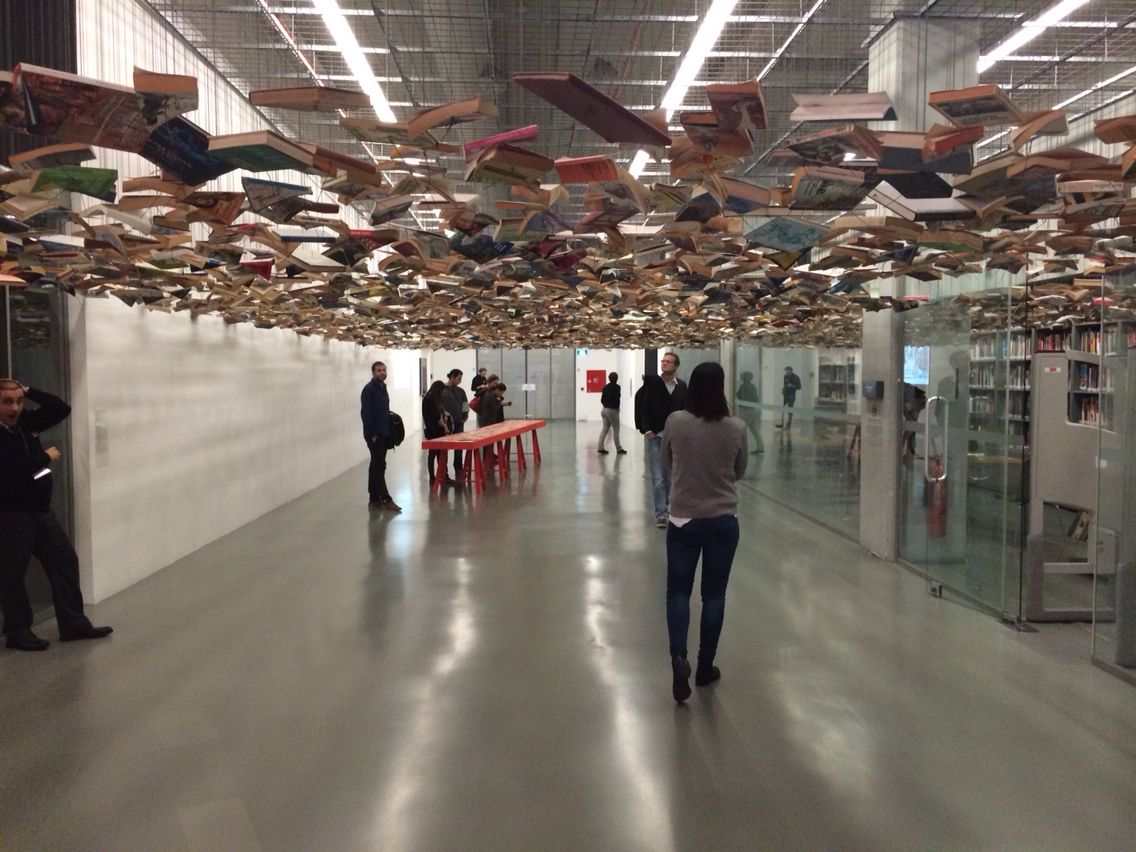 Abgehängte Decke Im Museum Istanbul Modern