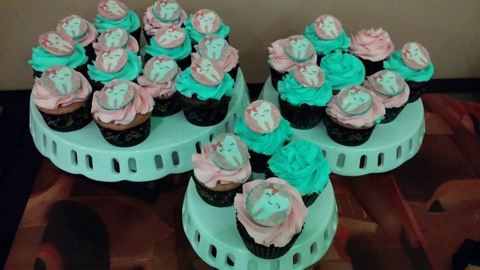 Tooth Cupcakes for a Dental Assistant Graduation