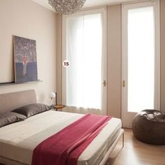 """Photo of Una casa con il soggiorno open space che diventa più grande e un bagno che si """"splitta"""" in tre – Cose di Casa"""