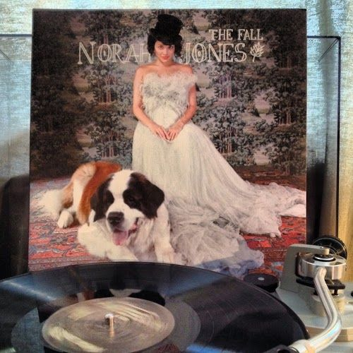 Now spinning on my turntable Norah Jones // The Fall on vinyl (fb)