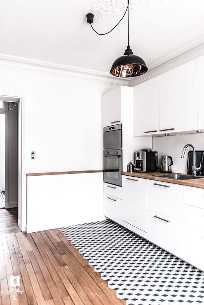 Keuken met overloop van houten vloer naar tegels   H o m e ...
