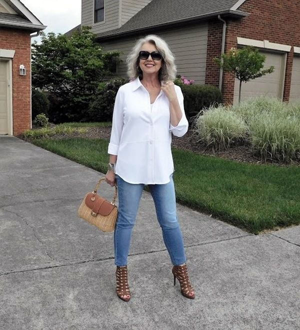 df4f01ea78b0 30 Best Summer Outfits for Women Above 50 – Style Tips   Stitch fix ...
