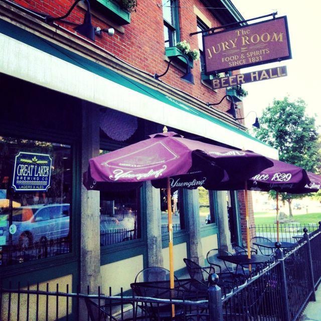 The Jury Room Oldest Bar Restaurant In Columbus Ohio