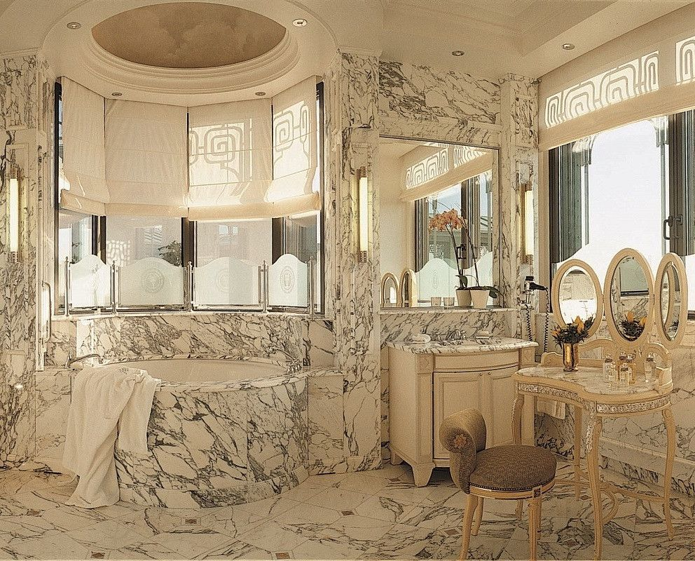 The Most Amazing Hotel Bathrooms in the World   Famous ...