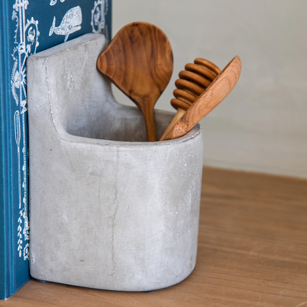 Blake Concrete Bookend Set In 2020 Bookends Concrete Chip And Joanna Gaines