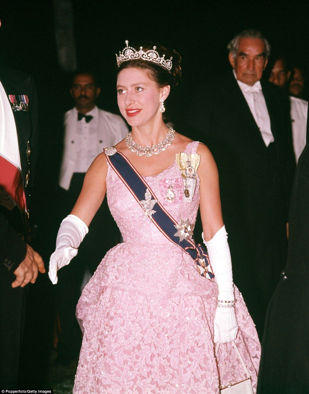 Duchess Dazzles In Princess Margarets Lotus Flower Tiara