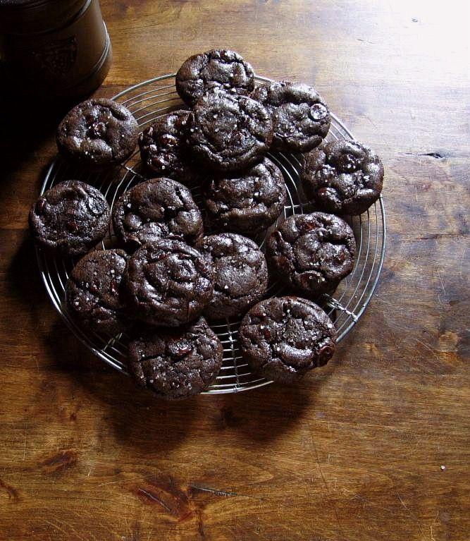 orange + dark chocolate olive oil cookies une gamine