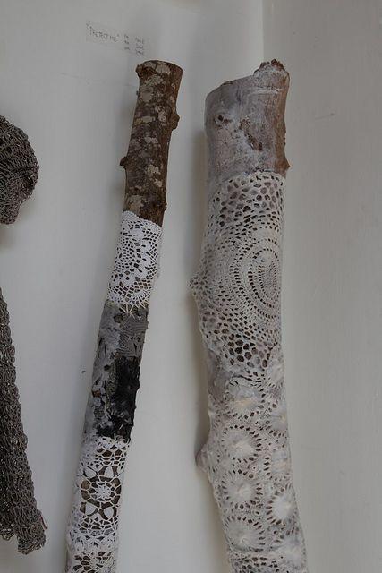 eu também gosto :) / IDK why I like decorated sticks, but I do. It's a definite theme.