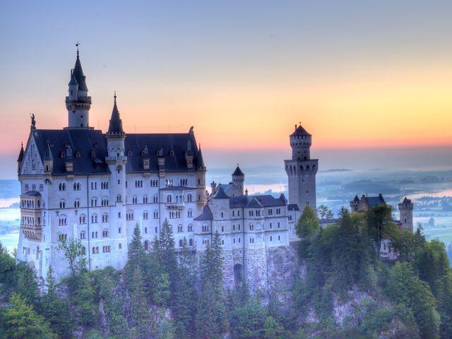 Schloss Neuschwanstein Beim Sonnenuntergang Schloss Neuschwanstein Neuschwanstein Deutschland Burgen