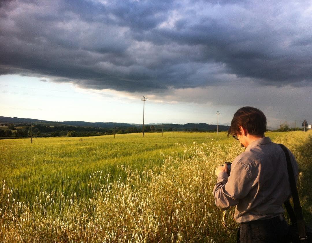 La pioggia umiliò l'erba per quarantasei minuti. Poi arrivammo. (Viola Di Grado) by _e_mme