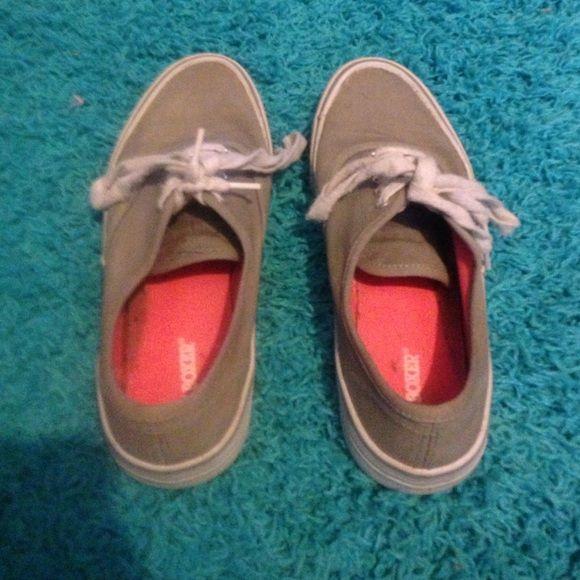 4a67efd16e1fca Grey JoeBoxer tennis shoes